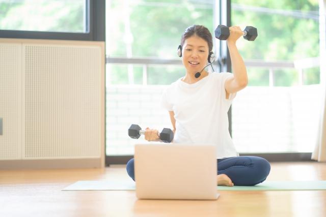 中高年の筋肉トレーニングとコシラック体操